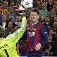 Lionel Messi marque face au Bayern Munich en demi-finale de la Ligue des champions à Barcelone le 6 mai 2015.