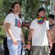 "Channing Tatum et Matt Bomer sur leur char ""Magic Mike XXL"" lors de la parade de la ""Los Angeles Gay Pride"" à West Hollywood, le 14 juin 2015."