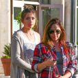 Paris Jackson achète un café chez Starbucks avec une amie de la famille à Los Angeles, le 24 octobre 2014