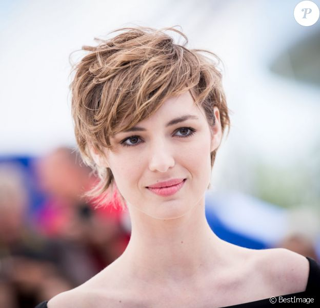 """Louise Bourgoin - Photocall du film """"Je suis un soldat"""" lors du 68e Festival international du film de Cannes le 20 mai 2015."""