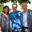 Anne Hidalgo, Luc Barruet et Claude Bartolone le président de l'assemblée nationale - 17e édition du festival Solidays sur l'hippodrome de Longchamp à Paris le 27 juin 2015.