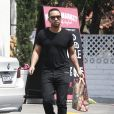Exclusif - John Legend fait quelques courses à Beverly Hills, le 31 mai 2015.