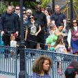 Les membres de la famille Kardashian assistent à l'anniversaire de Penelope Disick (3 ans) au parc d'attractions Disneyland. Anaheim, le 8 juillet 2015.