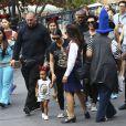 Les membres de la famille Kardashian fêtent l'anniversaire de Penelope Disick (3 ans) au parc d'attractions Disneyland. Anaheim, le 8 juillet 2015.