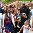 Kim Kardashian, sa fille North et Kris Jenner assistent à l'anniversaire de Penelope Disick (3 ans) au parc d'attractions Disneyland. Anaheim, le 8 juillet 2015.