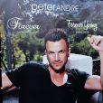 """Peter Andre presente son nouveau parfum pour femmes """"Forever Young"""" a Londres. Le 4 septembre 2013"""
