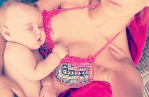 Stéphanie Clerbois, maman sexy en bikini : Son petit Lyam aux premières loges