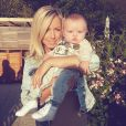 Stéphanie Clerbois en Croatie avec son baby Lyam. Juin 2015.