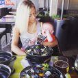 La belle Stéphanie Clerbois : Son petit Lyam est à croquer ! Juin 2015.