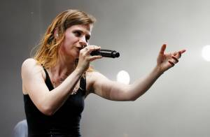 FNAC Live 2015: Christine & The Queens déchaînée devant François Hollande, fan