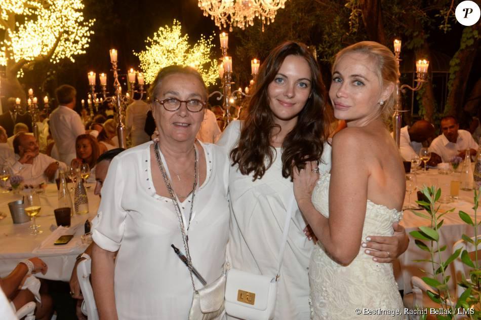 Exclusif - Emmanuelle Béart avec sa maman Geneviève Galéa et sa fille Nelly Auteuil - 20e édition de la soirée Blanche aux Moulins de Ramatuelle à Saint-Tropez le 12 juillet 2015.