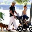 Gisele et Tom Brady en promenade à Boston en août 2014 avec leurs enfants