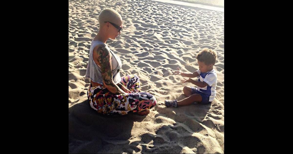 Amber rose s 39 improvise prof domicile pour son fils sebastian for Rose a domicile