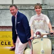 """Guy Ritchie et sa belle Jacqui : Deux jeunes mariés """"très spéciaux"""" et complices"""