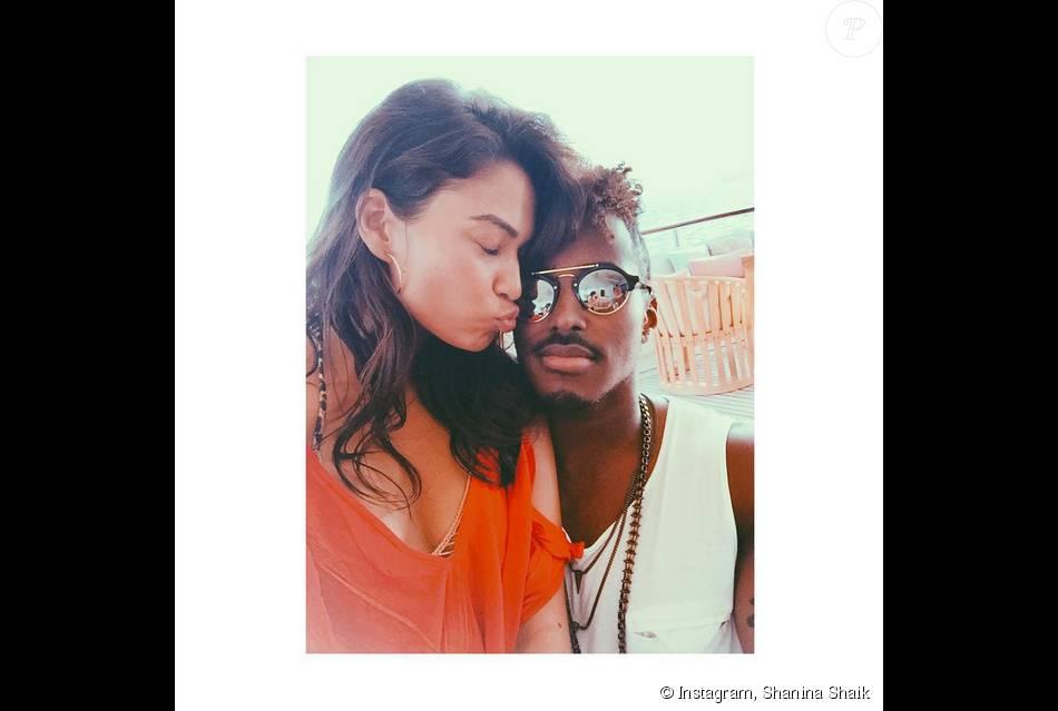 Shanina Shaik et son chéri DJ Ruckus en vacances à Ibiza. Photo publiée le 10 août 2015.