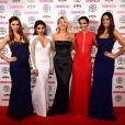 Una Foden, Vanessa White, Mollie King, Frankie Bridge et Rochelle Humes, du groupe The Saturdays à la soirée Cosmopolitan Ultimate Women of the Year Awards à Londres le 3 décembre 2014