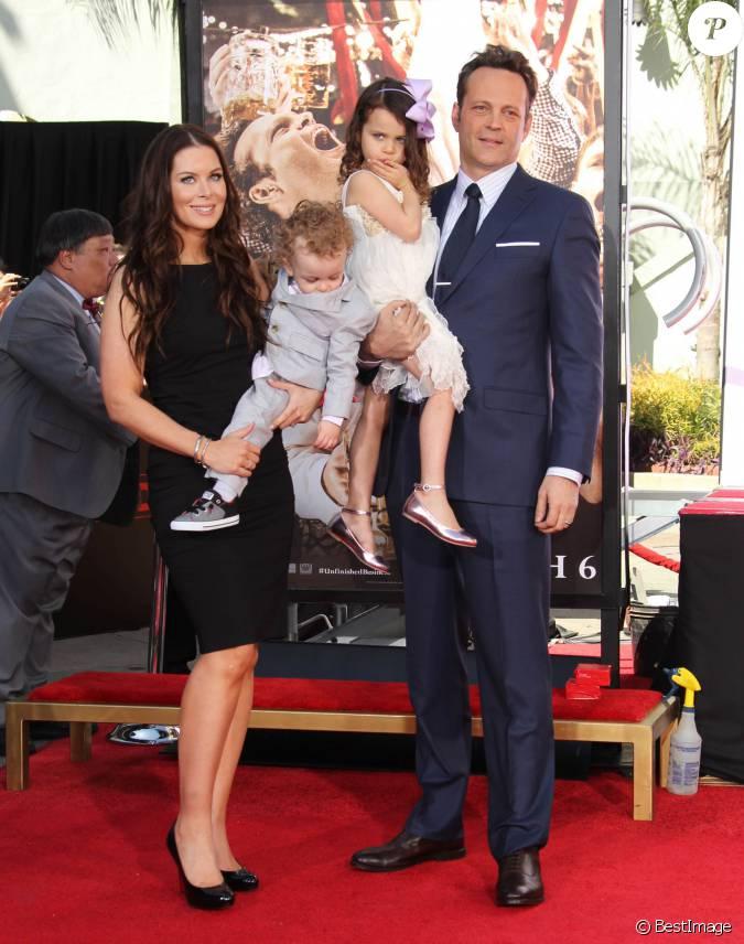 Vince Vaughn avec sa femme Kyla Weber et leurs enfants ...