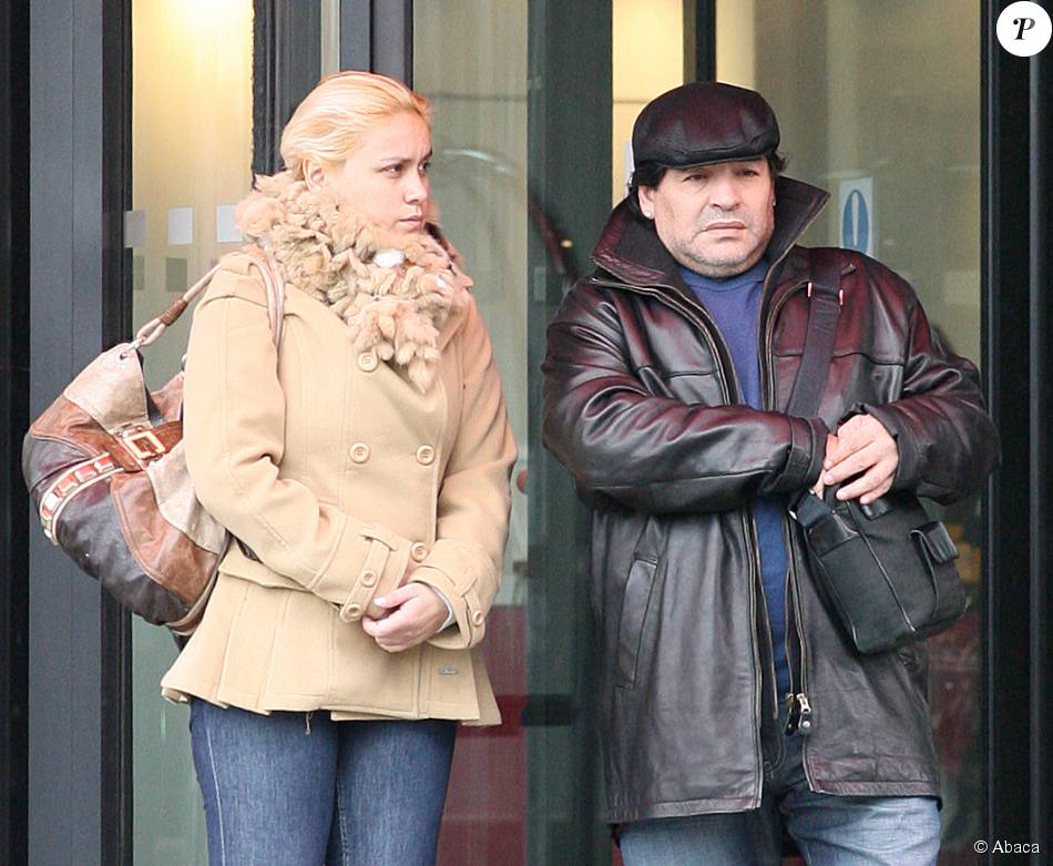 Diego Maradona et Claudia Villafane à Manchester le 18 mars 2010.