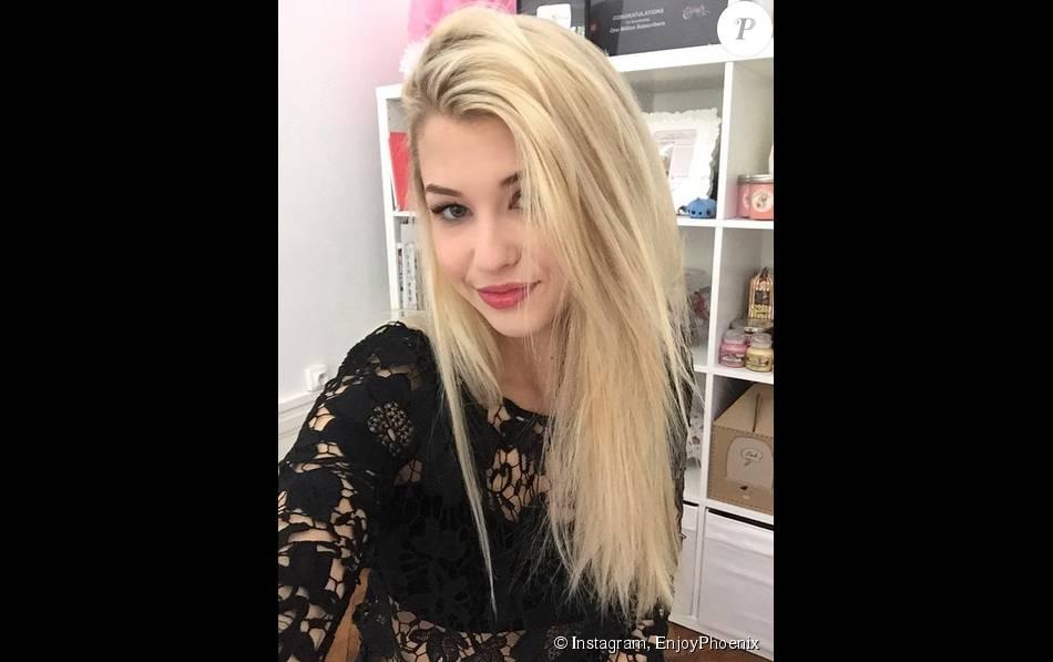 La jolie Marie Lopez, alias Enjoy Phoenix, pose sur Instagram.