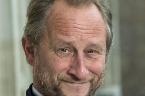 """Benoît Poelvoorde : """"Je m'emmerde sur ces plateaux-là"""", Arthur réagit..."""