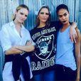 Les top models Candice Swanepoel, Frankie Rayder et Joan Smalls dans les coulisses du défilé Givenchy. Photo publiée le 12 septembre 2015.