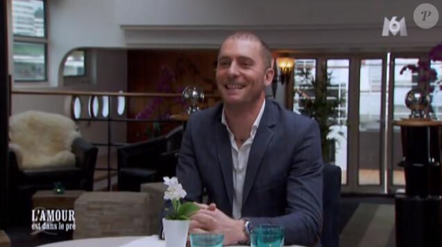 Baptiste dans  L'amour est dans le pré 2015  sur M6, le lundi 22 juin 2015.