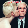 "Edwige Balmore avec Andy Warhol en couverture de ""Façade"""
