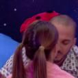 Coralie et Nicolas doivent s'embrasser devant Mélanie, dans Secret Story 9