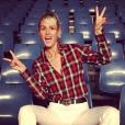 """Laeticia Hallyday dans les gradins du Palais Nikaia à Nice où Johnny débute sa grande tournée """"Rester Vivant"""", le 2 octobre 2015."""