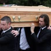 Jim Carrey face à l'épreuve : Il porte le cercueil de sa défunte compagne