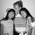 Laeticia Hallyday retrouvent ses filles Jade et Joy après des semaines de séparation. Los angeles, le 17 octobre 2015.