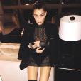 Bella Hadid et son chien Hendrix / photo postée sur Instagram.