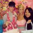 Jake Bailey, maquilleur des stars adoré notamment par Katy Perry et Ashley Benson, est mort à 37 ans le 22 octobre 2015. Un suicide, vraisemblablement... Photo Instagram Paris Hilton.