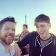 Jake Bailey, maquilleur des stars adoré notamment par Katy Perry et Ashley Benson, ici lors d'un séjour à Paris en octobre 2015 avec Rory McDonnell, est mort à 37 ans le 22 octobre 2015. Un suicide, vraisemblablement... Photo Instagram Jake Bailey.