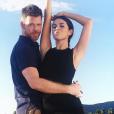Jake Bailey avec Selena Gomez à Hollywood. Le maquilleur des stars adoré notamment par Katy Perry et Ashley Benson est mort à 37 ans le 22 octobre 2015. Un suicide, vraisemblablement... Photo Instagram Jake Bailey.