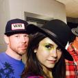 Jake Bailey (ici avec Nina Dobrev), maquilleur des stars adoré notamment par Katy Perry et Ashley Benson, est mort à 37 ans le 22 octobre 2015. Un suicide, vraisemblablement... Photo Instagram Jake Bailey.