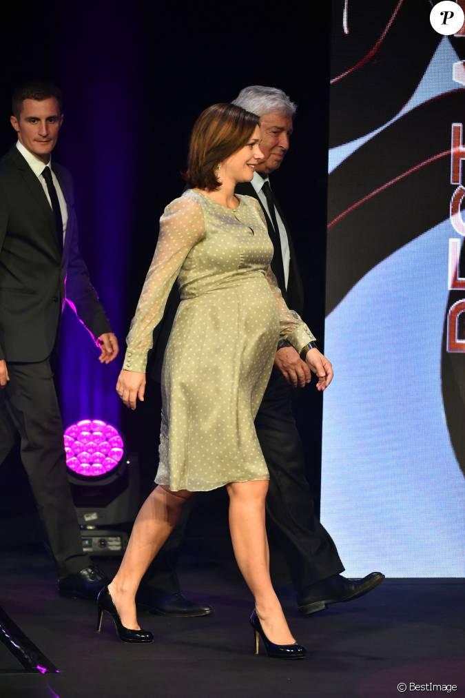 Nathalie p chalat aux sportel awards au grimaldi forum for Pechalat dujardin