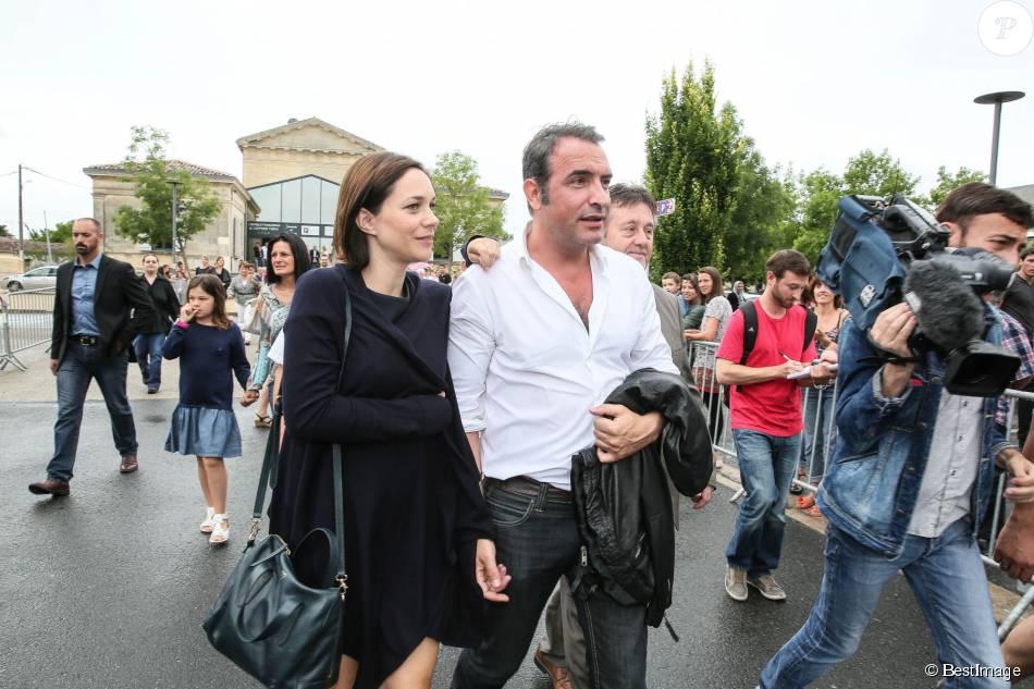Jean dujardin et sa compagne nathalie p chalat l for Jean dujardin medoc