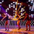 Sophie Vouzelaud et Maxime Dereymez dans Danse avec les stars 6, sur TF1, le samedi 31 octobre 2015