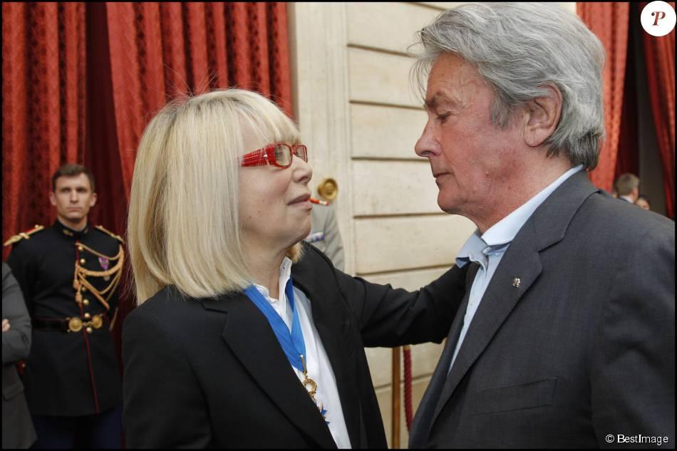 Exclusif - Mireille Darc et Alain Delon lors de la ...
