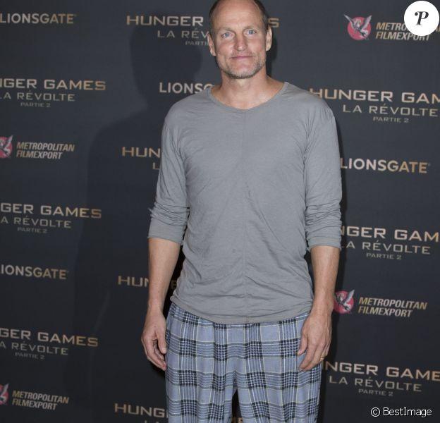 """Woody Harrelson lors du photocall du film """"The Hunger Games - La Révolte : Part 2"""" organisé à l'hôtel Plaza Athénée à Paris, le 9 novembre 2015."""