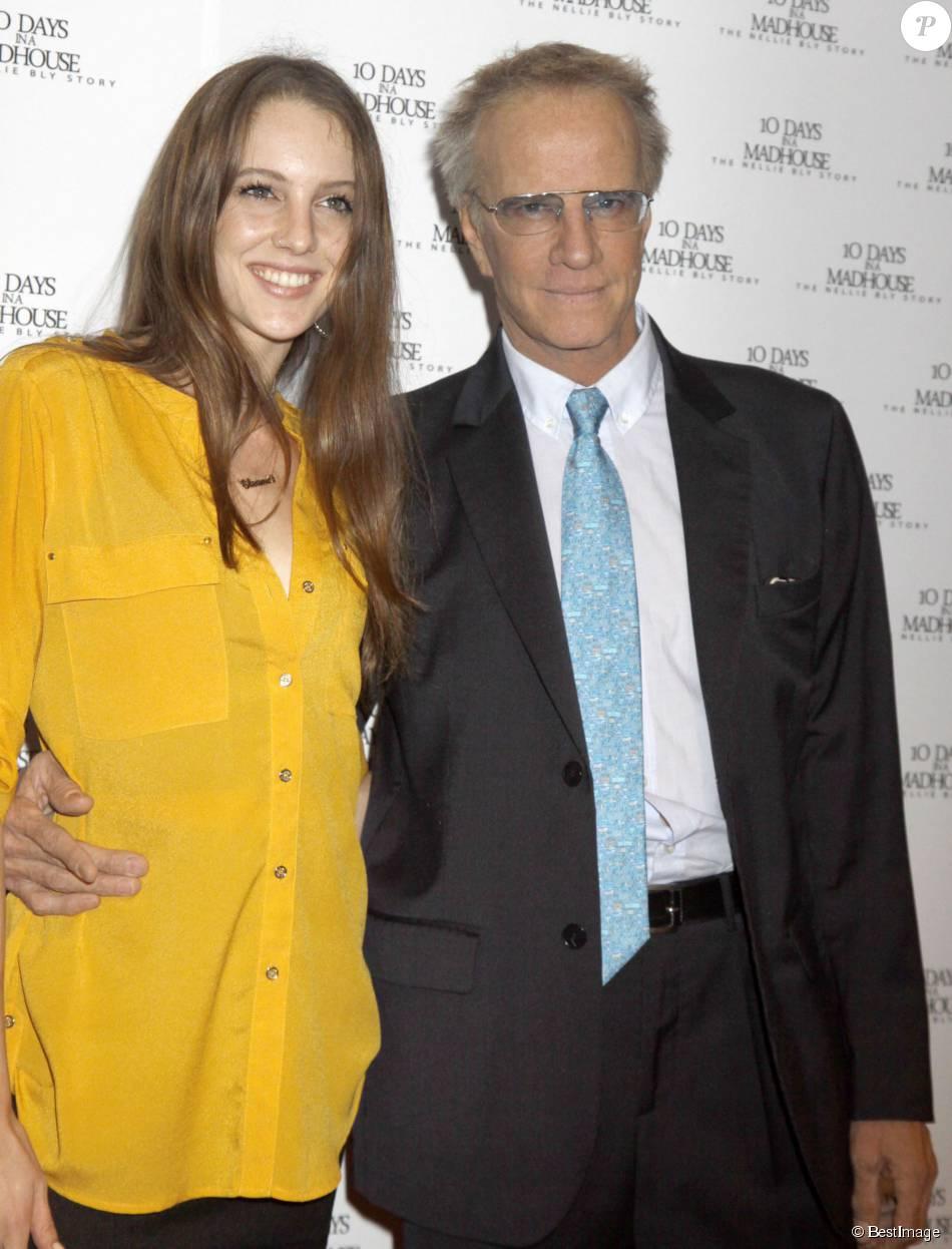 Christopher Lambert et sa fille Eleanor Lambertà l'avant-première de '10 Days In A Madhouse' à New York, le 11 novembre 2015