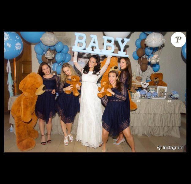 Jade Foret : Entourée de toutes ses amies pour sa baby shower avant d'acceuillir... son premier garçon !