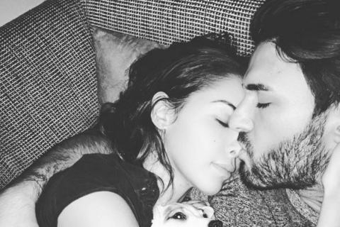 Nabilla et Thomas Vergara : Tendres câlins avec leur nouveau bébé