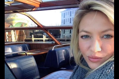 """Tressia (Les Ch'tis) : Selfie avec son nouveau """"boyfriend"""" ?"""
