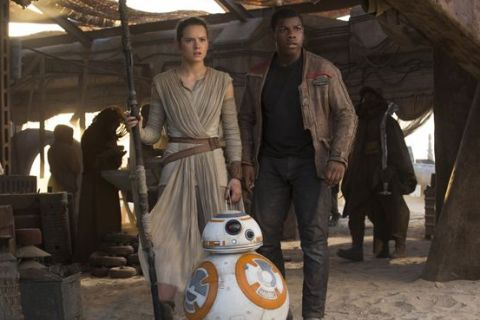"""Daisy Ridley et John Boyega : Qui sont les nouveaux héros de """"Star Wars"""" ?"""