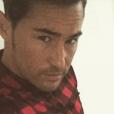 Rémi (Secret Story 9), dévoile son nouveau look. Il s'est rasé les cheveux et la barbe ! Décembre 2015.