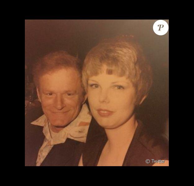Un internaute a posté une photo de sa grand-mère qui est le sosie de la chanteuse Taylor Swift, sur Twitter le 31 décembre 2015