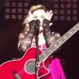 Madonna, en larmes, sur scène à Mexico le 6 janvier 2016.