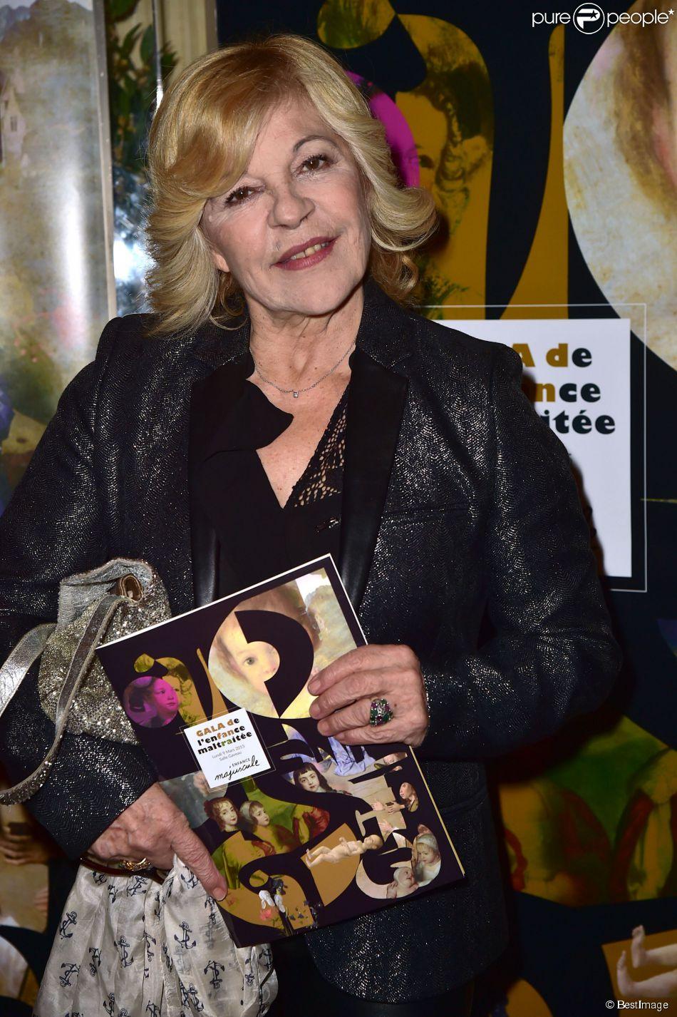 Nicoletta - Gala de l'enfance maltraitée à la Salle Gaveau à Paris le 9 mars 2015.